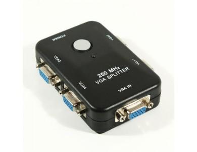 Купить в Амлаты VGA 4 port Splitter. Устройство позволяющее ретранслировать VGA сигнал на 4 устройства воспроизведения.